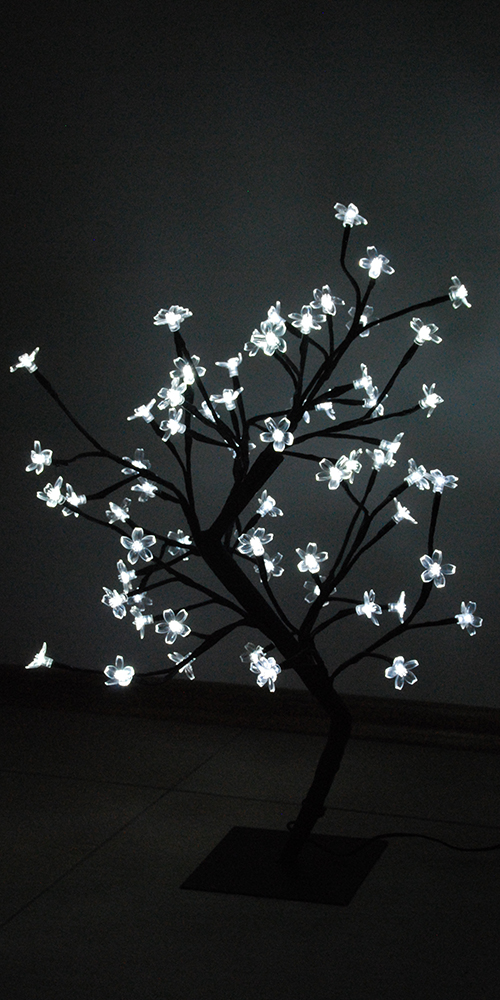 60cm led weihnachtsbaum kirschbaum lichterbaum wei bl tenbaum lichterkette ebay. Black Bedroom Furniture Sets. Home Design Ideas